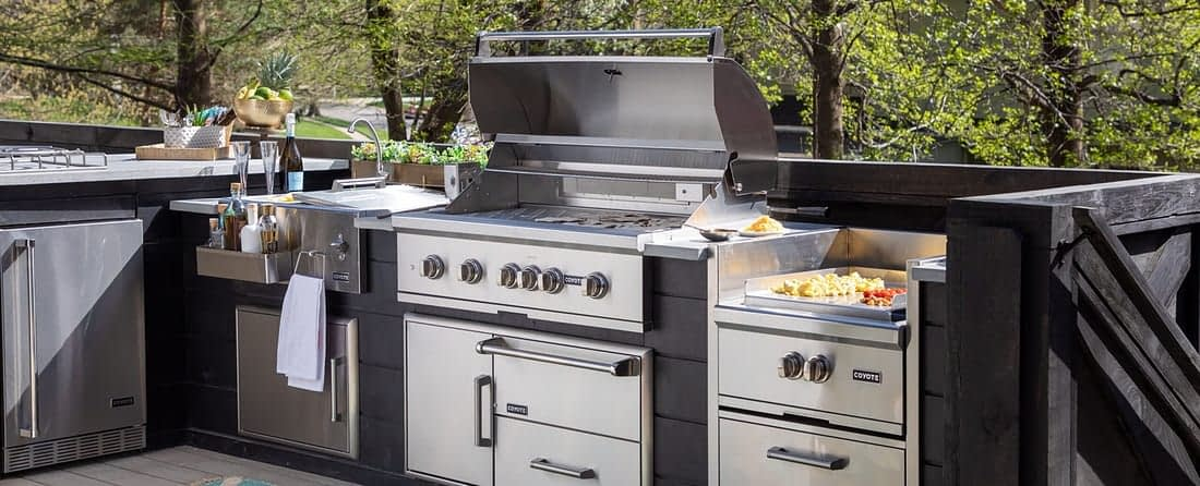 custom built in outdoor kitchen appliances