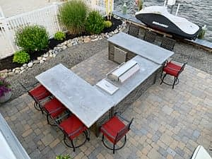 u shaped outdoor bar with seating