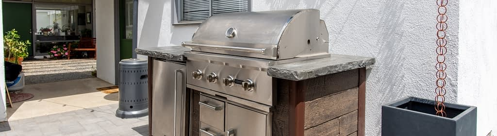 Photo of Outdoor Kitchen Appliances Installed. Cost can impact quality.