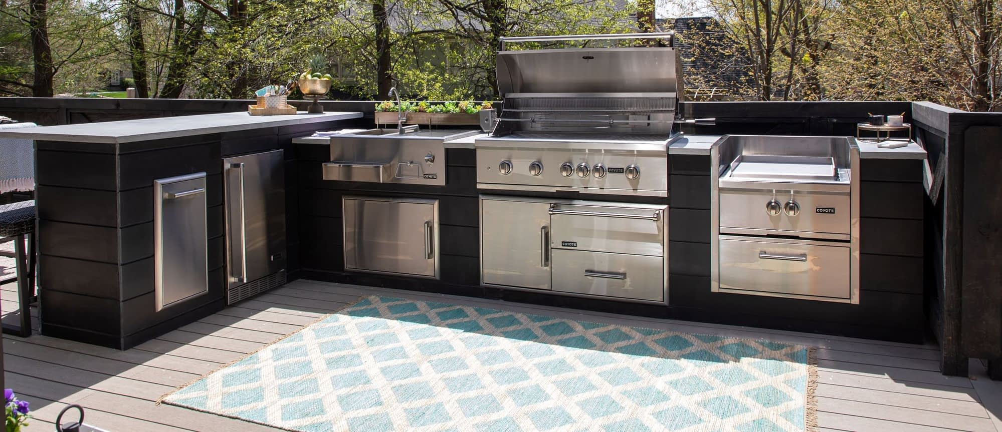 l-shape outdoor kitchen by rta outdoor living