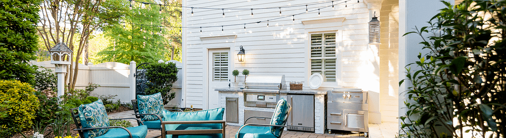 Outdoor Lighting Will Influence the Cost of your Outdoor Kitchen