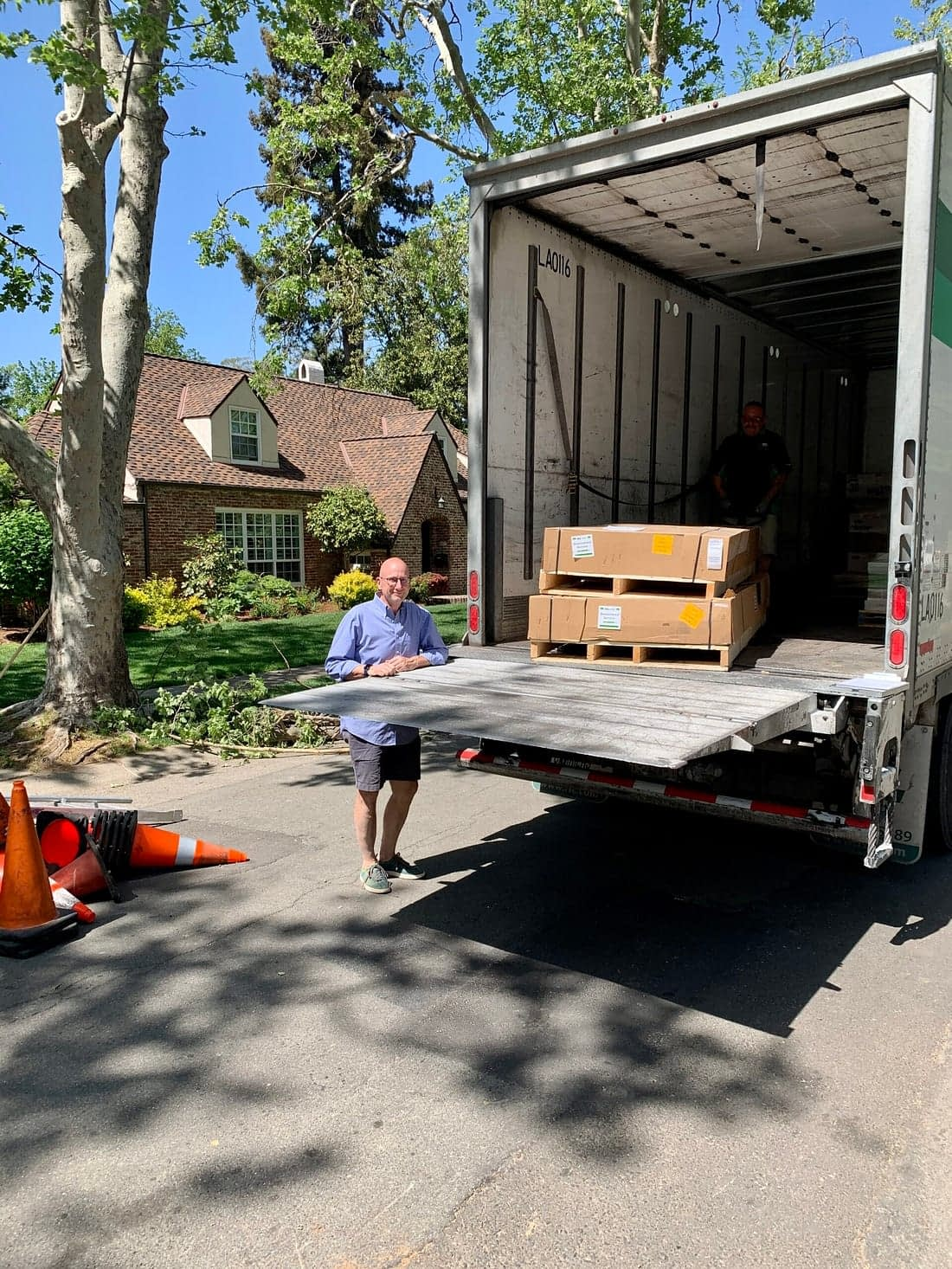 outdoor kitchen kits being delivered