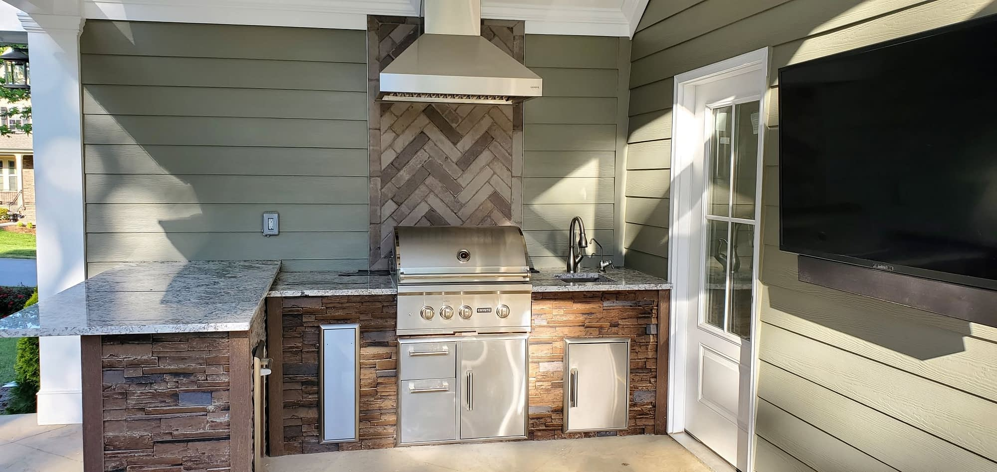 outdoor kitchen grill with hood (1)