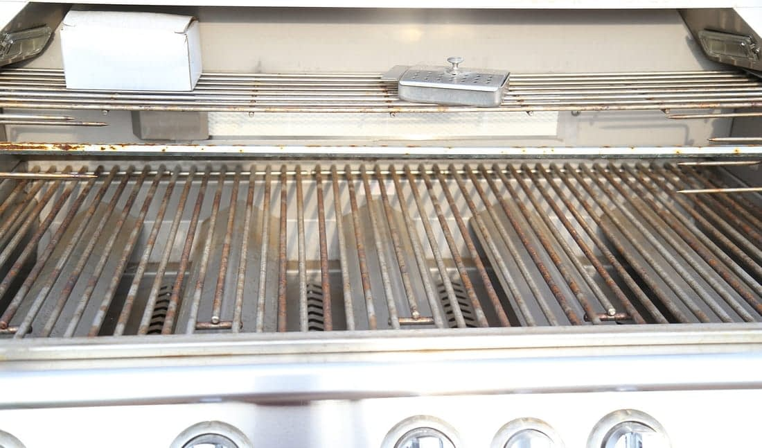 prefabricated outdoor kitchen grill rusting